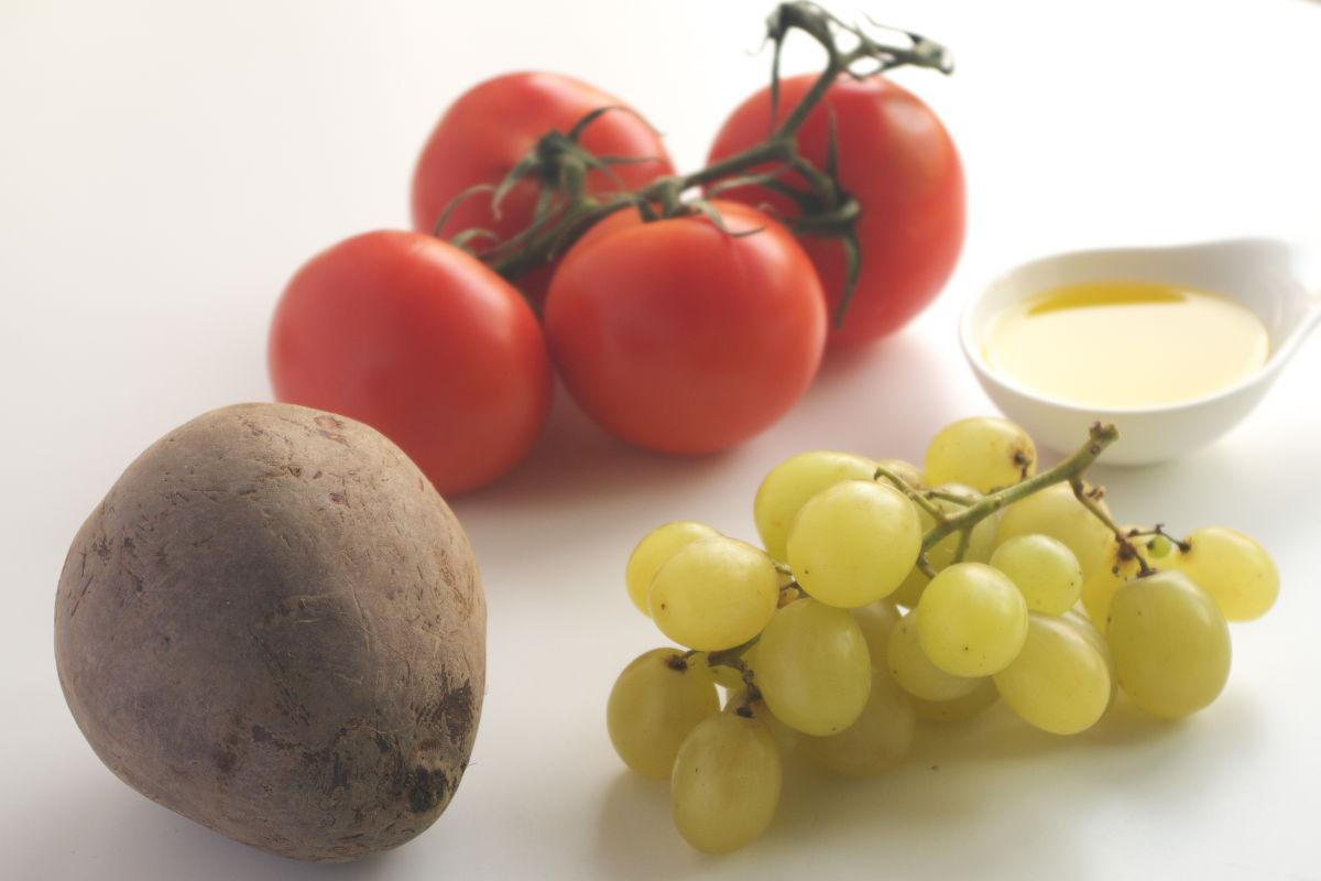 Ingredientes para Gazpacho de Remolacha, Tomate y Uva