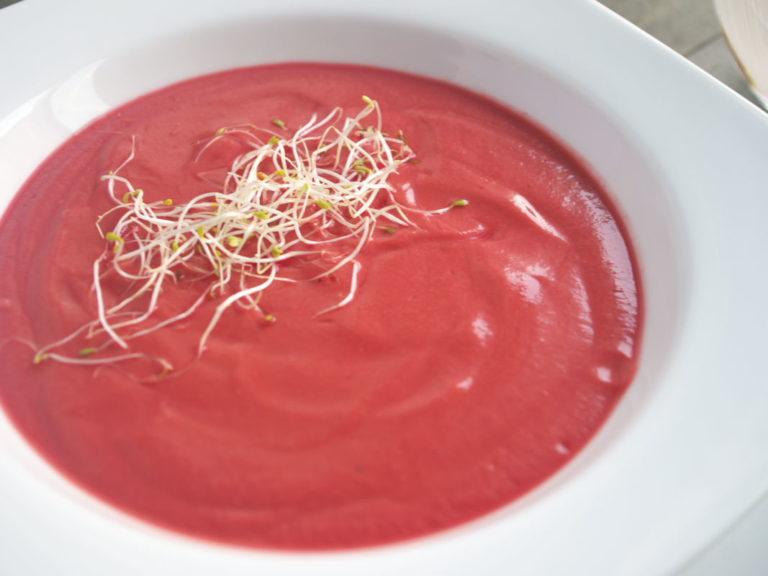 Gazpacho de remolacha, tomate y uva