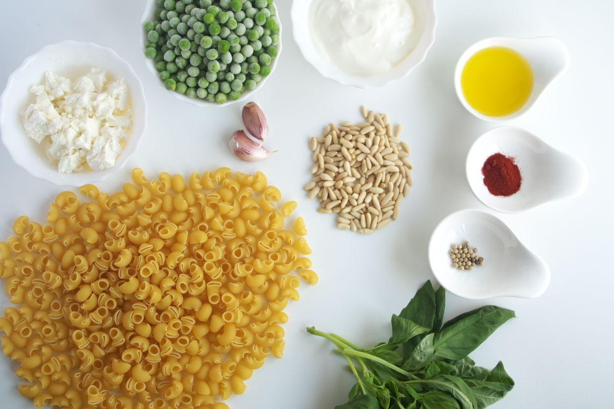 Ingredientes para Galets con Yogur, Guisantes y Pimentón