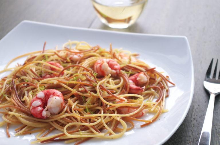 Espaguetis con gambas express
