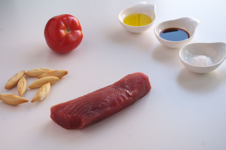 Igredientes para Sashimi con Tomate y AOVE